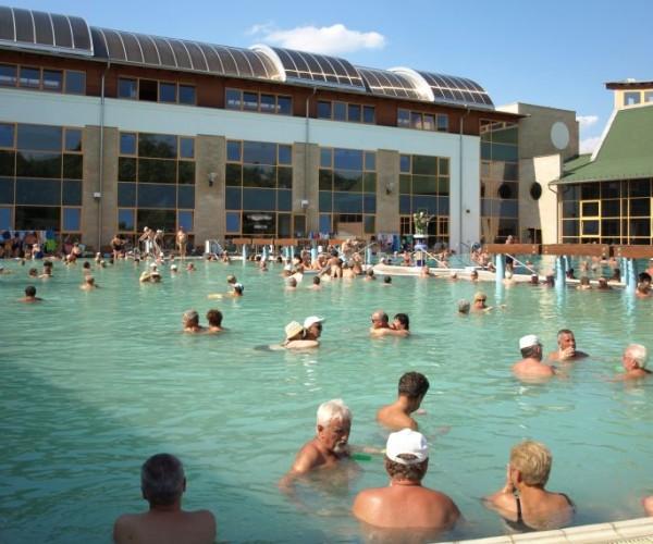 Januárban 4,9 százalékkal nőtt a szálláshelyek vendégforgalma országosan, Harkányban mégis a legtöbb szálloda zárva volt