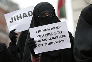 Katonai kiképzőket küld az EU Maliba