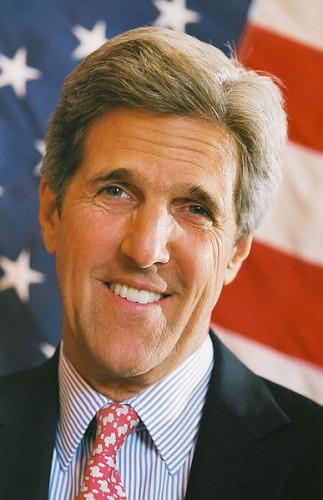 Kerry a transzatlanti kapcsolatok és a szabadkereskedelmi megállapodás jelentőségét emelte ki Berlinben