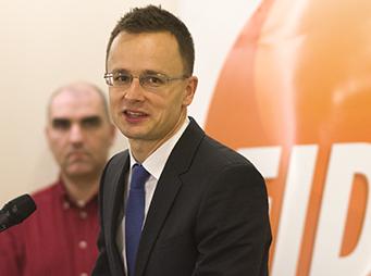 Lakossági fórumot tartott a Fidesz a rezsicsökkentésről