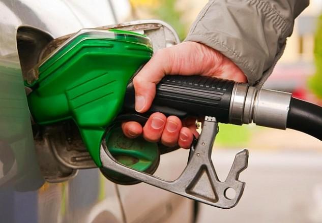 Itt vannak az augusztusi üzemanyagárak