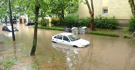 Hatalmas eső zúdult Pécsre – döbbenetes VIDEO