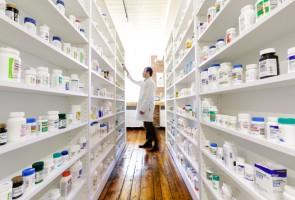 Jöhetnek a fiókgyógyszertárak és az engedély előtti gyógyszerek