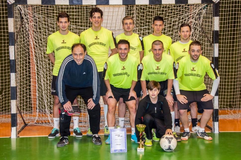 A Dream Team vitte el a labdarúgó kupát – KÉPGALÉRIA