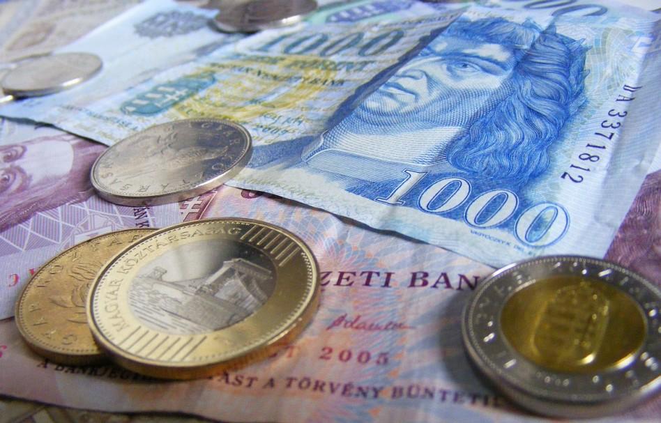 Emelkedik a minimálbér és a garantált bérminimum