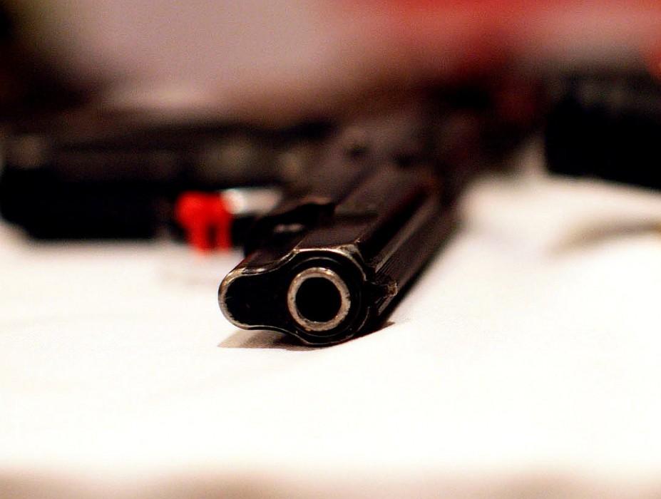 Lövöldözés itthon: rendőrök lőtték le a támadót