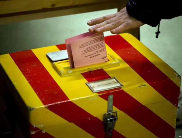 1500 tonna aranyról és milliomosadóról is szavaznak Svájcban