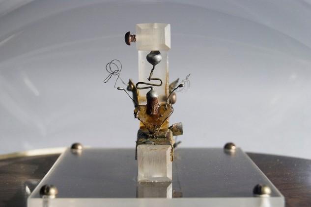 Megölték Raszputyint, elkészül az első tranzisztor