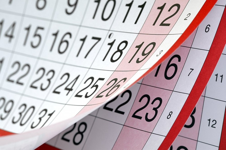 Bevezetik a Gergely-naptárat, megindul az első támadás