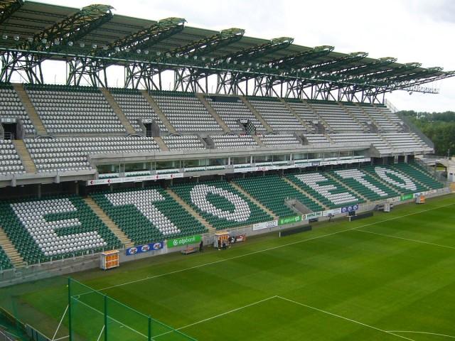 Questor ügy: lefoglaltak egy stadiont és egy plázát
