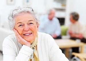 Átlagosan havi kétezer forinttal emelkednek a nyugdíjak
