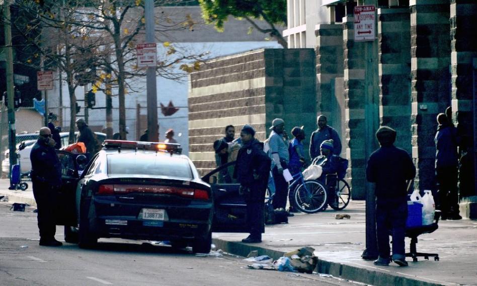 Hajléktalant lőttek agyon a rendőrök (Video 18+)