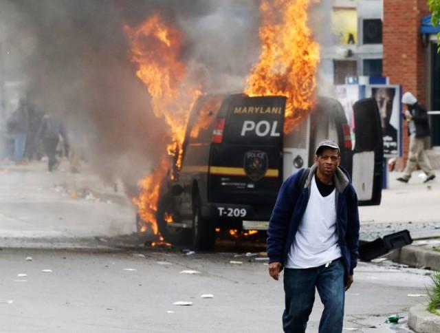 Rendkívüli állapotot hirdettek Baltimore-ban egy fekete halála miatt – VIDEO