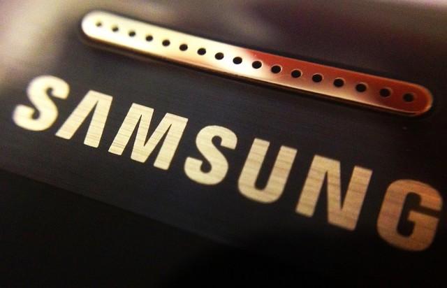 Ha Samsung, akkor tévé, telefon. Tudja mi még? Nem, nem lehet kézbe venni.