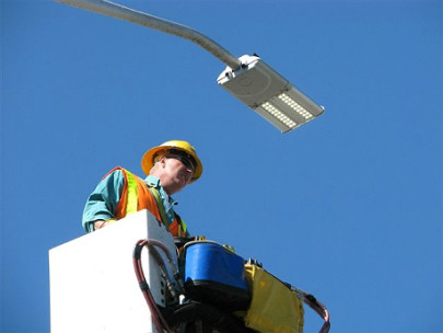 Egyedüli pályázóként Tiborcék cserléik a siklósi lámpákat