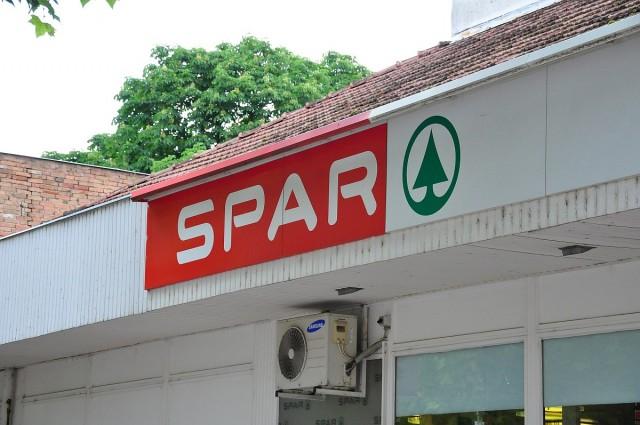 Bezárja egyik siklósi áruházát a Spar
