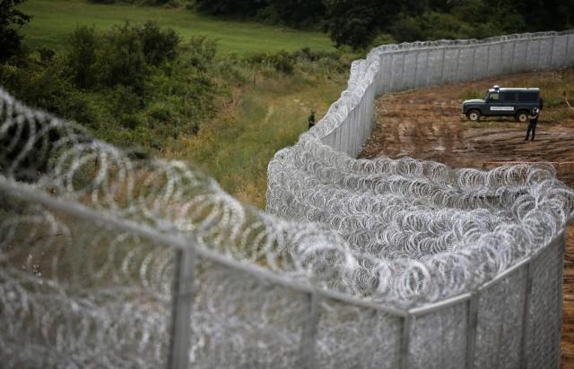 Szögesdrót Bulgária határánál - fotó: Reuters