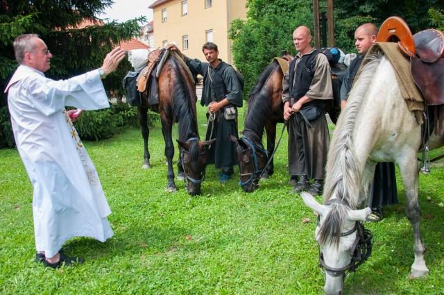 Megáldották a lovas zarándoklat útját