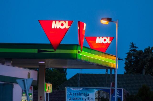 Pénteken a héten másodszor változnak a benzinárak