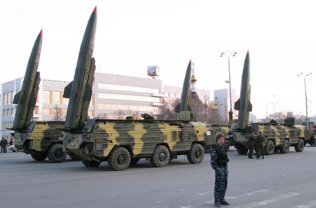 Putyin: arra irányítják csapásmérő fegyvereiket ahonnan fenyegetés érkezik
