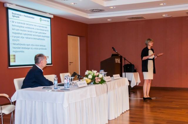 A szakmai tanárképzés módszertanának konferenciáját tartották Harkányban