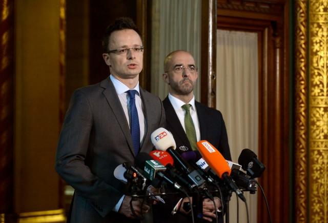 Szijjártó: a magyar kormány visszautasítja az osztrák kancellár zsarolását