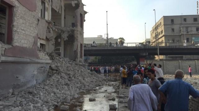 Bomba robbant a kairói olasz konzulátusnál