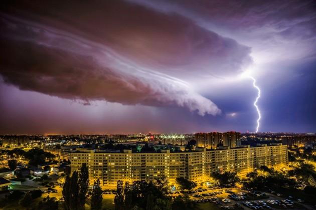 A vihar Lengyelországban Fotó: Lukasz Ogrodowczyk, EPA