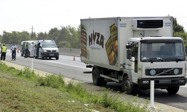 Holttesteket találtak egy magyar rendszámú kamionban