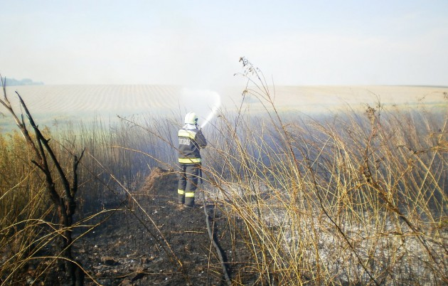Megyeszerte égtek szabadtéri tüzek