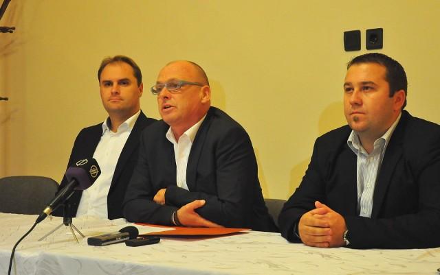 Baksai Tamás Harkány polgármestere, Tiffán Zsolt országgyűlési képviselő és Almás Roland, Szabadszentkirály polgármestere