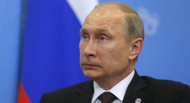 Egyszerűen lemondott az orosz kormány