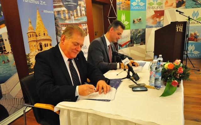Együttműködési megállapodást kötött a Fürdőszövetség és az MT Zrt.