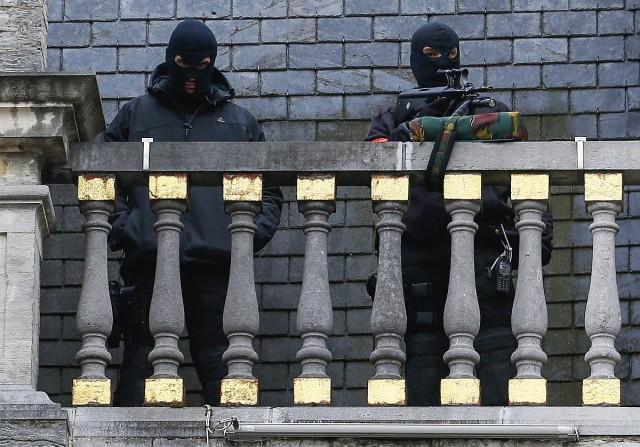 Rendőrök Brüsszel főterén. fotó: Reuters
