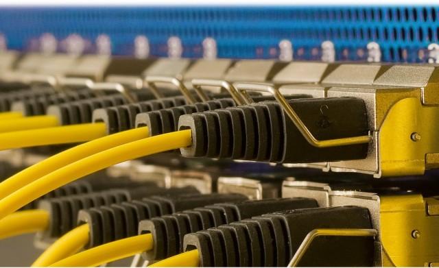 2016 végére nem lesz internet nélküli iskola, 2018-ra gyorsul az otthoni net