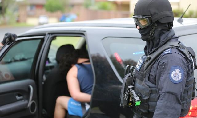 Terrorizmussal gyanúsítanak két ausztrál tinit