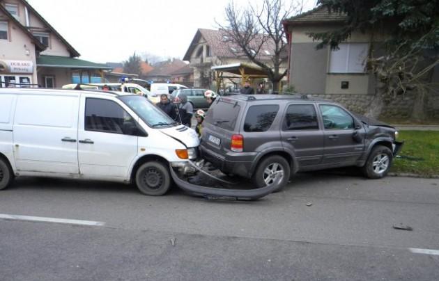 Hibrid ütközött Pécsen