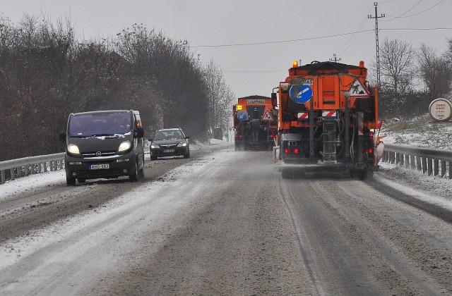 Óvatosan az utakon, hétvégén visszatér a tél!