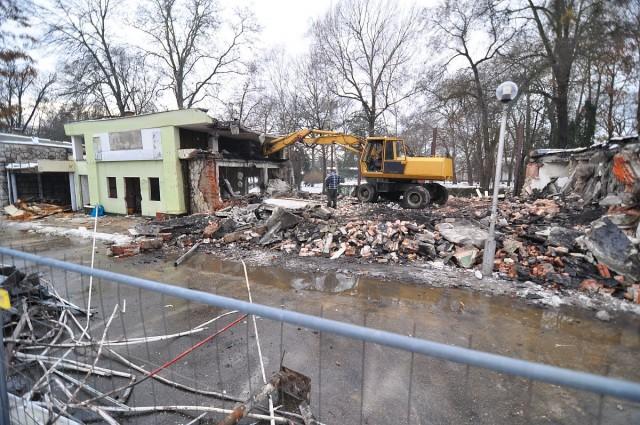 Bontják a Muslinca sor régi épületeit