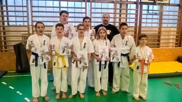 Harkányi éremeső a karateversenyen