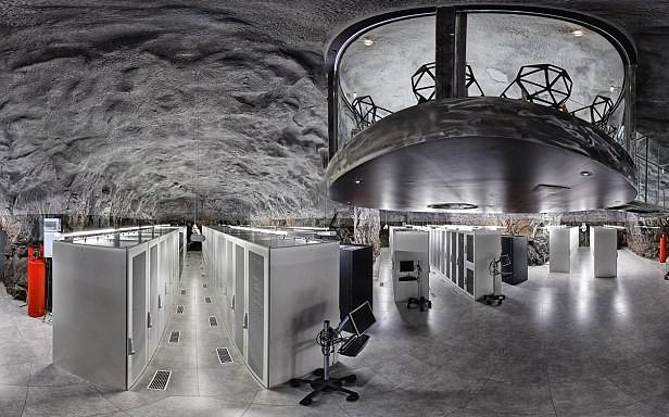A WikiLeaks központja egy atombiztos barlangban rendezkedett be.