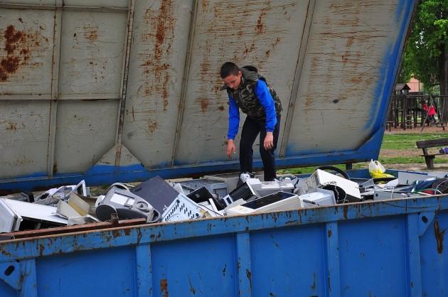Közel száz köbméter újrahasznosítható hulladékot gyűjtöttek