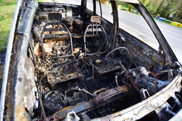 Kiégett egy autó Túronyban – képek