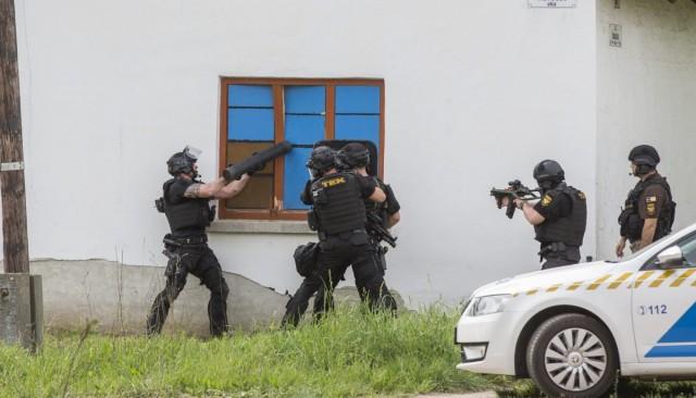 Rendőrökre lőtt az orosházi férfi