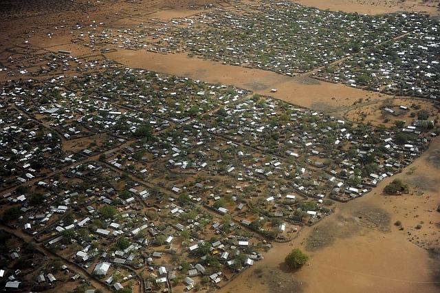 Hatszázezer menekült indulhat útnak