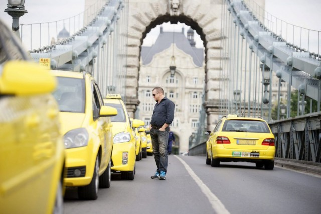Uber: 1200 munkahelyet tehet tönkre a kormány