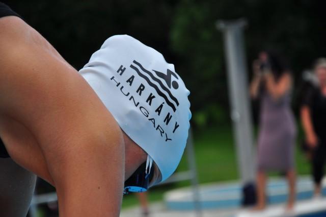 Hat érmet hoztak az úszóink Zentáról