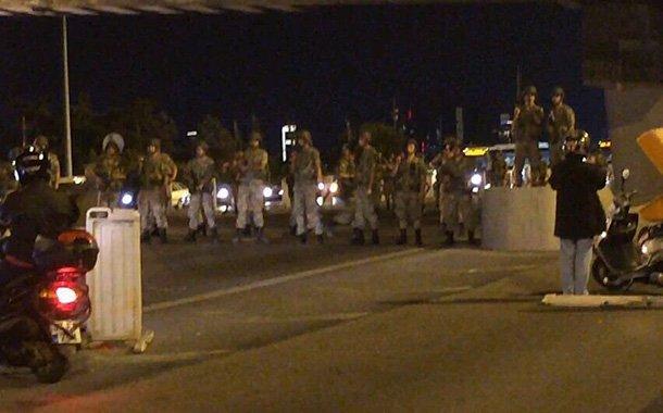 Katonai puccs Törökországban – frissítve