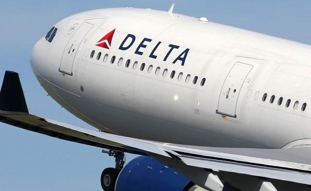 Százszámra törlik a Delta járatait
