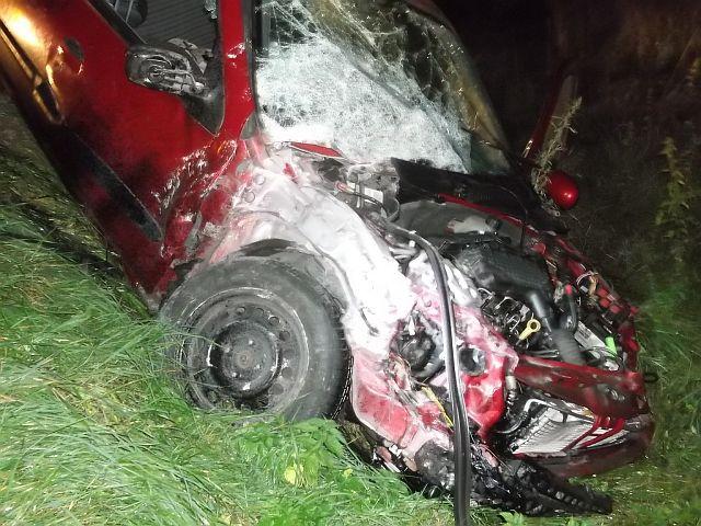 Autóbusz ütközött személyautóval